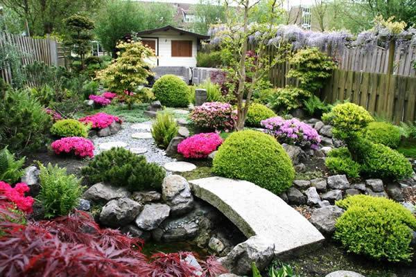 bố trí sân vườn đẹp đơn giản